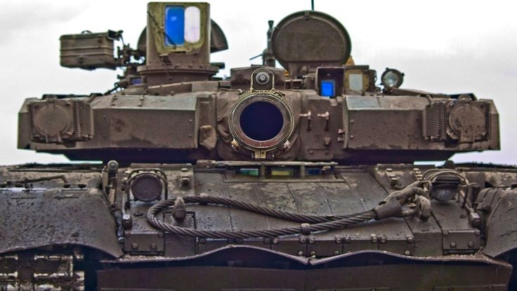 In your face! Turret and gun details of T-84 Opłot-M - Ukrainian main battle tank