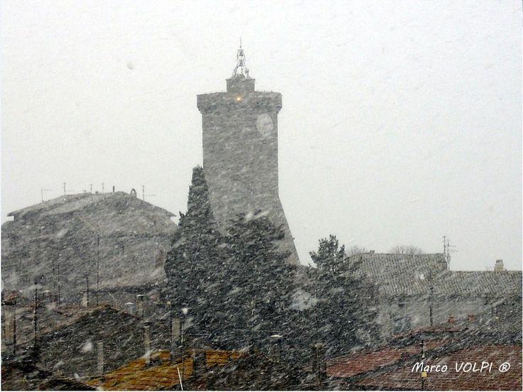 Marta (VT) e la Torre dell'Orologio sotto una fitta nevicata del 9 Marzo 2010