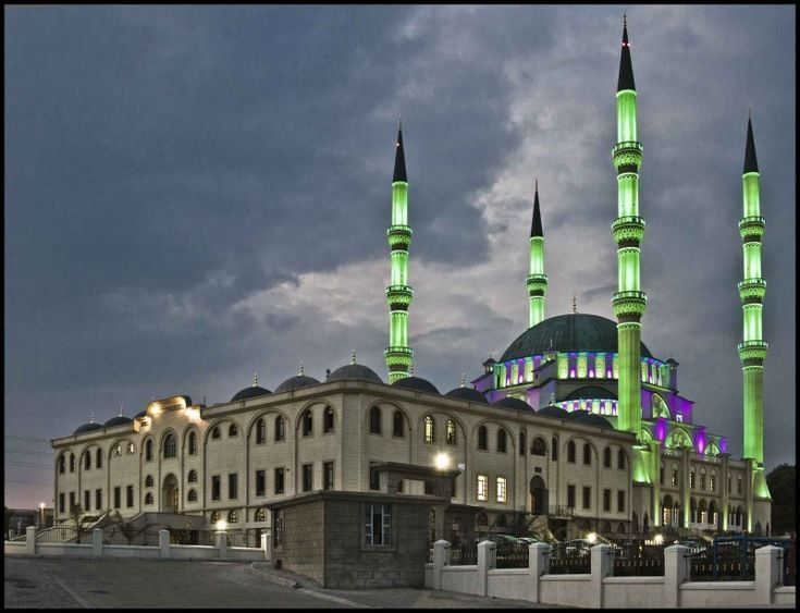 Nizamiye Mosque, is a mosque situated in the city of Midrand, Johannesburg. It is the biggest mosque in the Southern Hemisphere and Sub-Saharan Africa.It occupies 10 hectares of land.The basic plan of the masjid was adopted from the 16th-century Ottoman Selimiye Mosque in Edirne, Turkey which was designed by Mimar Sinan. Nizamiye Masjid was scaled to the Selimiye Mosque by a ratio of 80%.