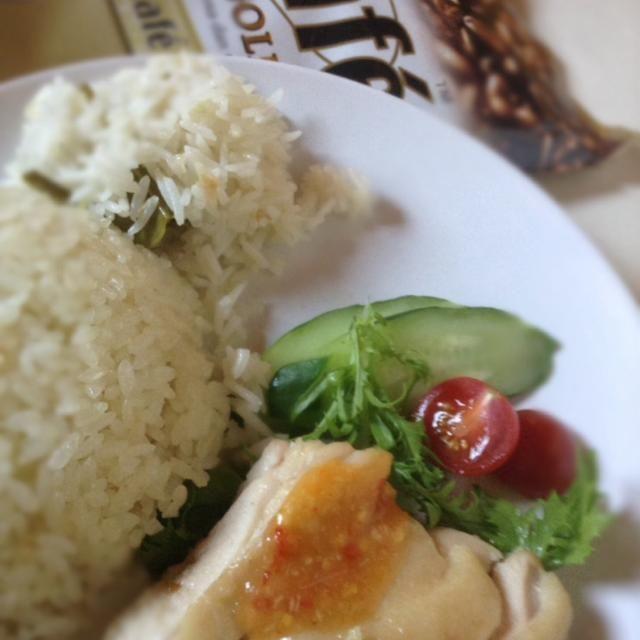 料理教室終了!鶏肉しっとり、ハーブライス・奥がタイ米:うまい。豪華マカナイ(^-^)/ - 9件のもぐもぐ - 海南鶏飯@料理教室 by CHOOtaitai