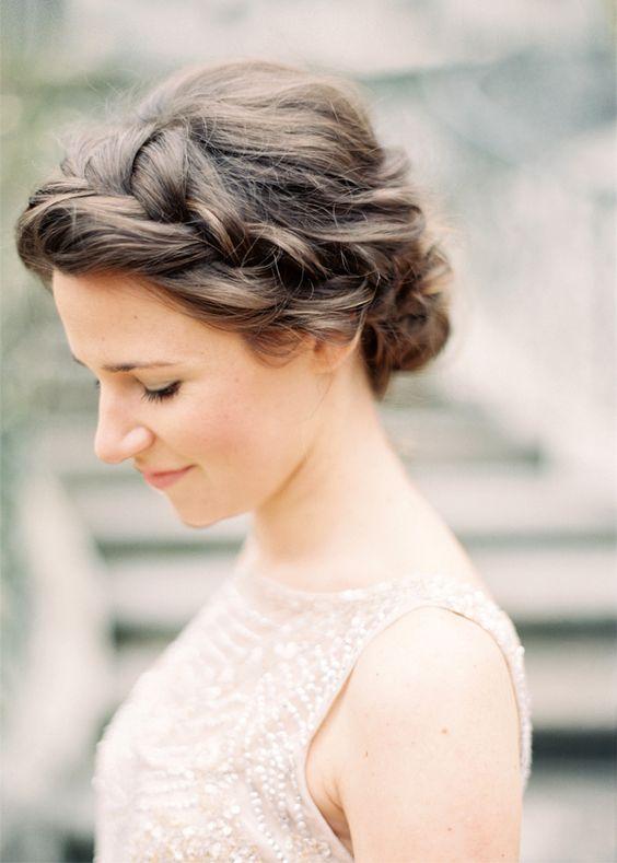 Krótkie włosy upięcia ślubne