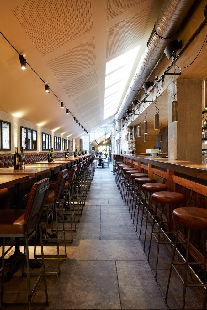 Restaurant Balthasar Köln | Michels Architekturbüro Bar, Restauranttische, Oberlicht, Hängelampen