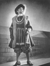 Ivor Evans as Sir Richard Cholmondeley in The Yoeman of the Guard.
