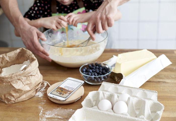 Le nostre basi di ricarica wireless le puoi utilizzare anche in cucina, per leggere le ricette mentre ricarichi il tuo smartphone!