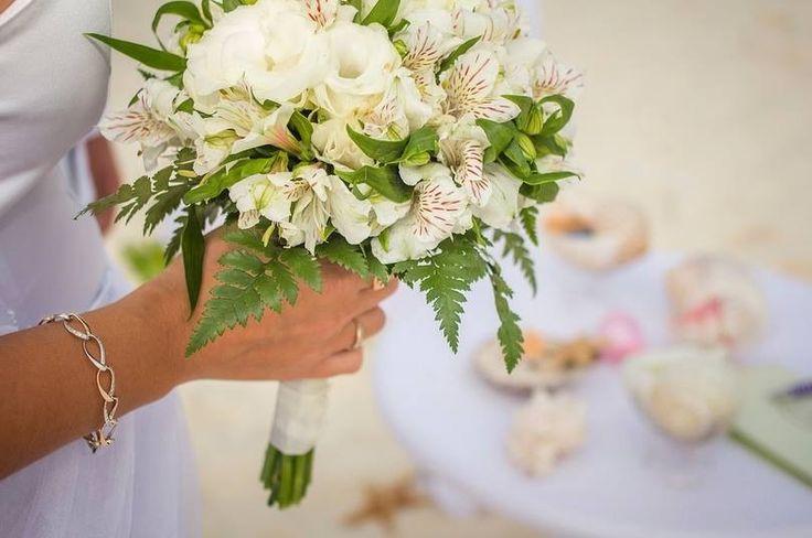 Bridal bouquet, wedding in Mexico, caribbean wedding,  Букет в светлых тонах, церемония на пляже, свадьба в Мексике