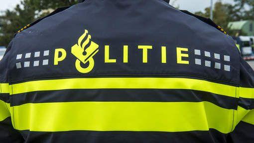 De politie komt vak in het boek voor.  1. Vanwege de moord op Kristien Moors en Ruud Schavenmaker. 2. Vanwege en ongeval bij rechercheur (Julia Vriend) oma. 3. Vanwege dat Nathalie haar huis in brand wil steken.