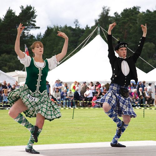 Scottish Traditional Clothing | traditional dresses Models photos