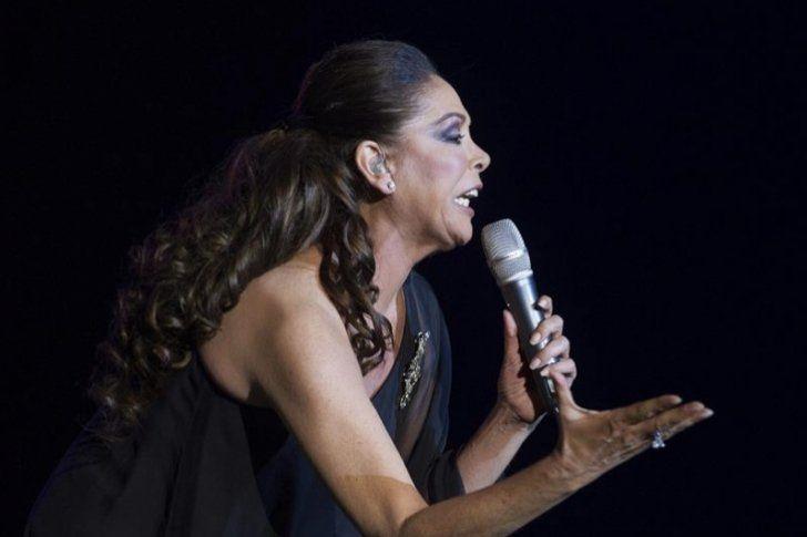 Isabel Pantoja saca disco nuevo el 11 de noviembre con temas de Juan Gabriel