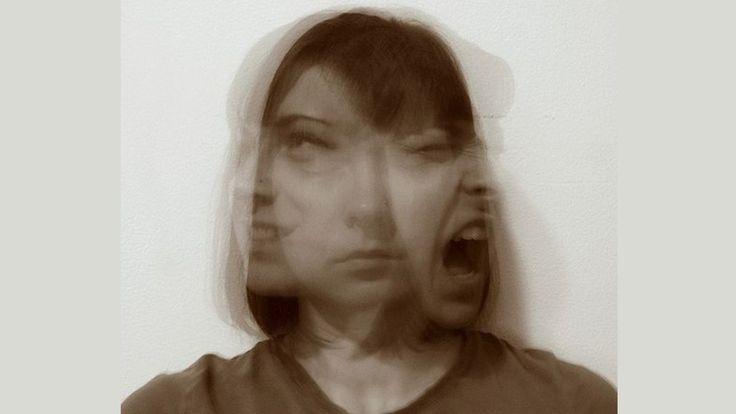 Aprender a lidar com os sentimentos confusos e pensamentos é fundamental no tratamento.