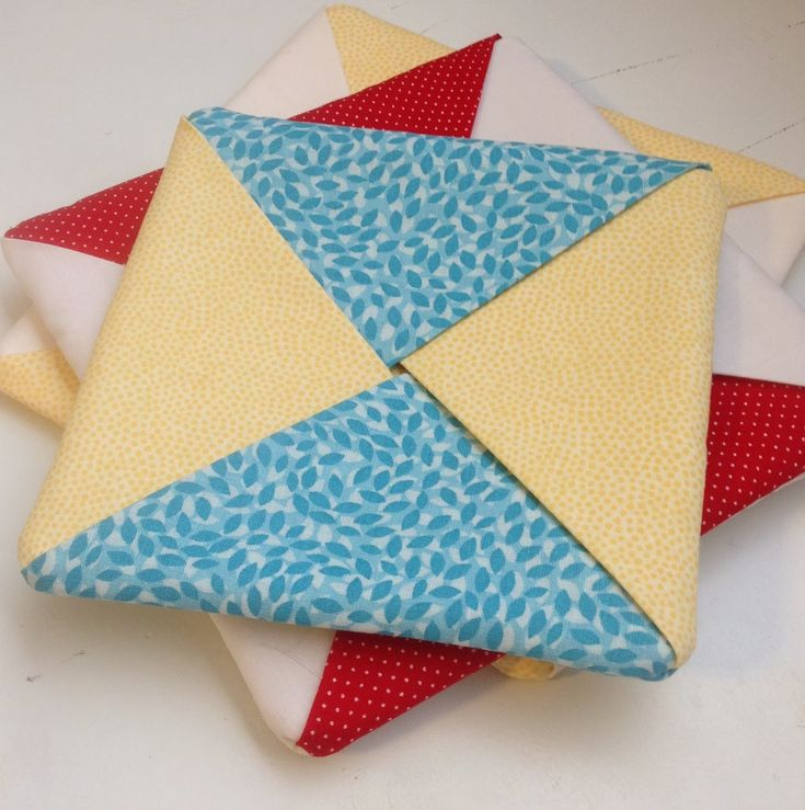 Criss-Cross hot pads. Easy pattern for a beginner sewer, but looks ... : quilted potholders patterns - Adamdwight.com