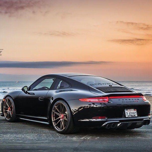 Porsche 911 Carrera GTS!