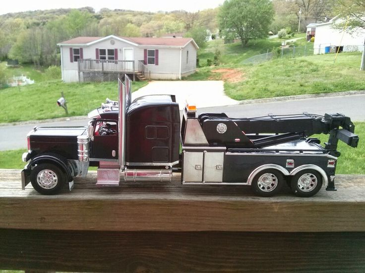 Peterbilt Wrecker | Plastic Fanatic | Pinterest | Peterbilt