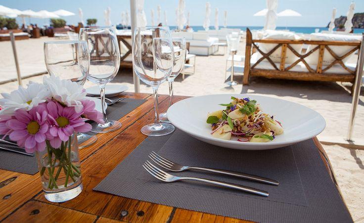 Blue Marlin, Ibiza - Estos beach bars se merecen un atardecer en las Islas Baleares