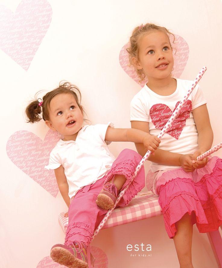 wallpaper hearts pink Keek-a-boo 114636 #behang #Tapete #papier peint #wallpaper #papel pintado #papel tapiz #carta da parati #harten #roze #hearts #pink #hearts #Rosa #cœurs #rose #cuori #rosa #corazones #rosa #ESTAhome.nl  ##meisjeskamer #Mädchenzimmer #dormitorio de chicas #chambre fille #camera da letto delle ragazze #girls bedroom #babykamer #Babyzimmer #dormitorio bebe #chambre bébé #camera da letto bimbi #nursery #baby #Baby #bebé #bébé #bambino #baby #lief #süß #mono #mignon #dolce…