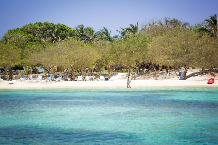 For a really pretty beach within the Rosario Islands to pass away a tranquil day, look no further than the idyllic Gente de Mar on Isla Grande. Your day pass includes return transfer in private,...