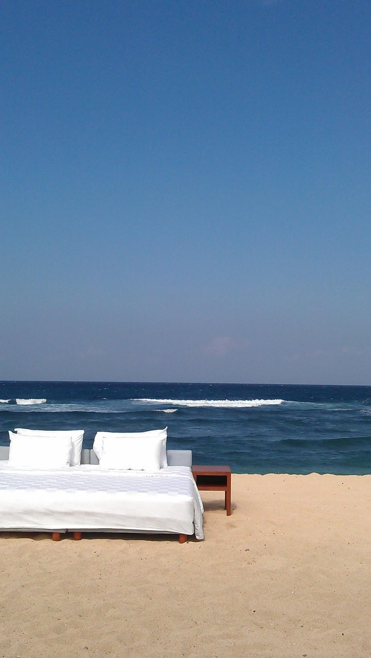 Good morning from paradise island! it's time to get out of bed... We hope you have a great time at the beach