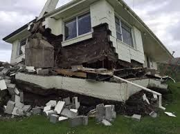 Bill ✔️ Destroyed..... a home near Kaikoura. By the massive Earthquake 14 November 2016, South Island, New Zealand. Bill Gibson-Patmore. (curation & caption: @BillGP). Bill✔️