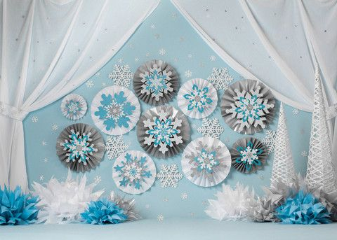 Blue Snowflakes w Curtain- wouldn't this be to DIE for for a winter cake smash? Yeah, I thought so, too! #rockthedrops