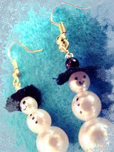 Faux Pearl Snowman Earrings
