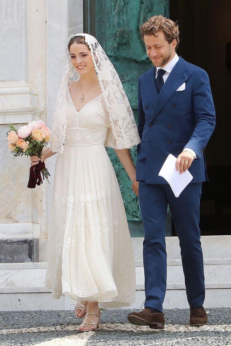 Anna Wintours Tochter hatte ihre Wahl von Hochzeit Heels, aber ihre No-Fuss Sanda …   – Weddings
