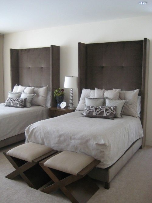 two beds in a guest room