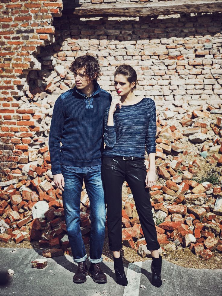 In love in Lee Cooper #leecooper #love #couple #mode #models #redbricks #wall #blog #blogger #beautiful #casual #look #ootd #outfit #famous #fashion #fashionblogger #fall #winter #aw16 #style #photooftheday #sales #soldes #englishstyle #rock #boy #girl #bluestyle #musthave