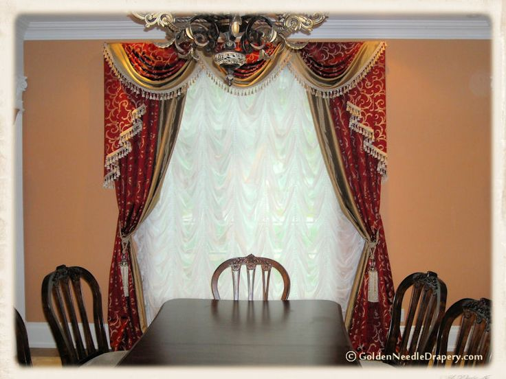 This sections of our portfolio covers traditional curtains with variety of classic interiors and designs.