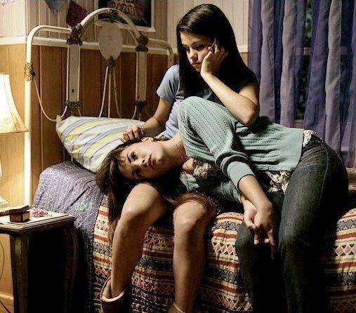 selena and demi lovato photos | Selena Gomez Demi Lovato (5) | SPARKS.THE.FLOWPATTZ