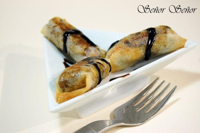 Rollitos de pasta brick rellenos de pollo y champiñones con crema de vinagre de Módena. recetas de cocina de sergio