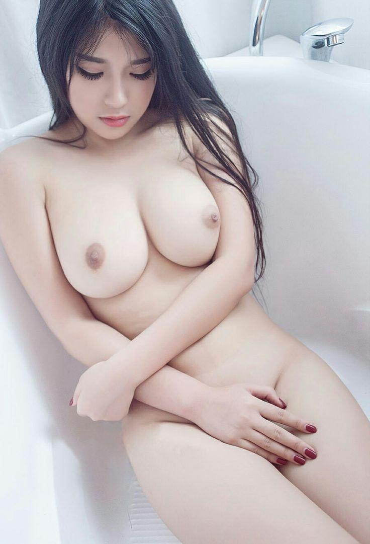 Amateur boob cum