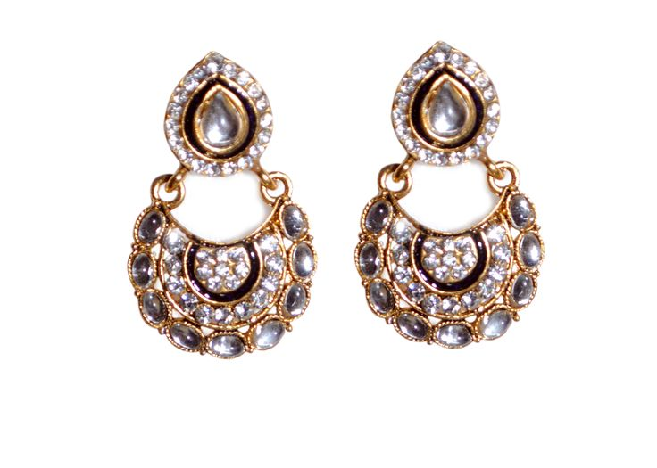 Traditional green drop earring for women