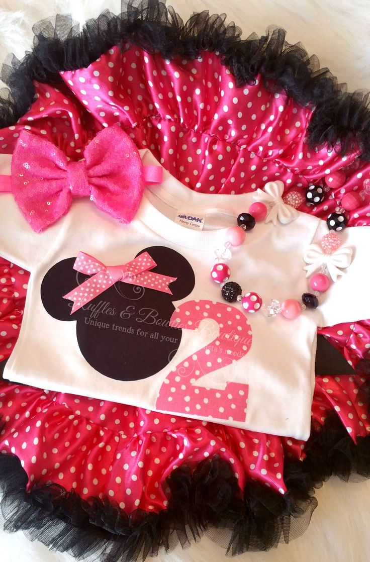 Do you have a Minnie Mouse lover? This adorable pink birthday outfit is perfect for your little one turning two! Ruffled pink pettiskirt, Big Bow, Polka dots