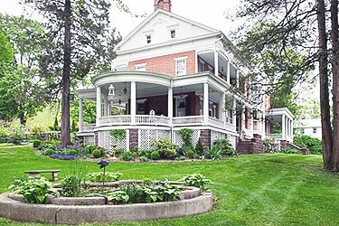 Book a B&B USA - Emig Mansion B&B in Emigsville Pennsylvannia