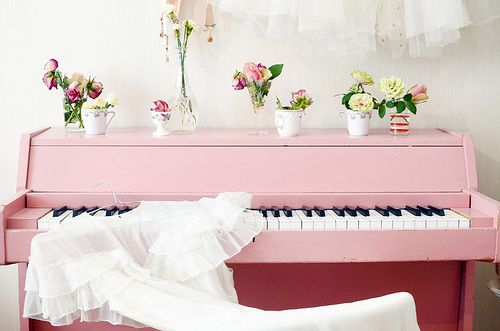 pink piano: Decor Ideas, Dreams, Shabby Chic, Pretty Pink, Paintings Piano, Pink Piano, Photo, Flower, Elsa Billgren