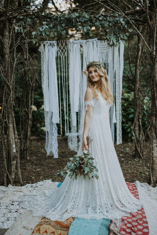Loving the ceremony space from this boho Nashville wedding   photo by Swak Photography,