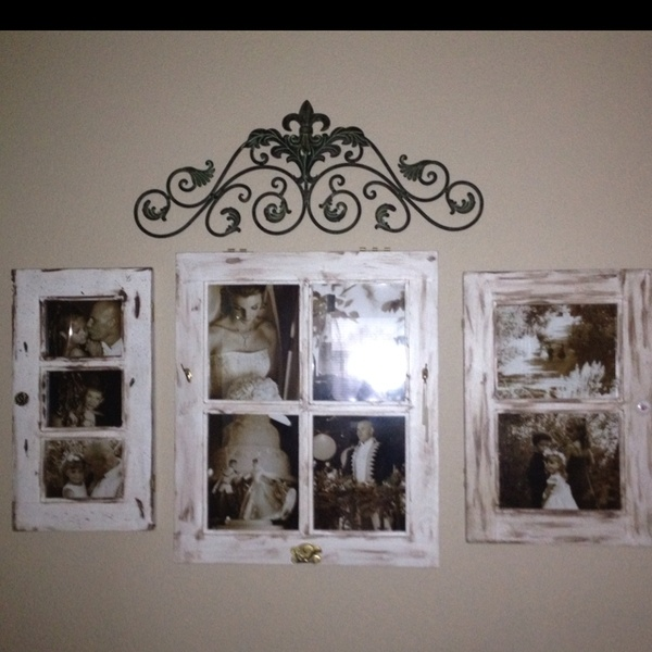 17 Best Ideas About Displaying Family Pictures On