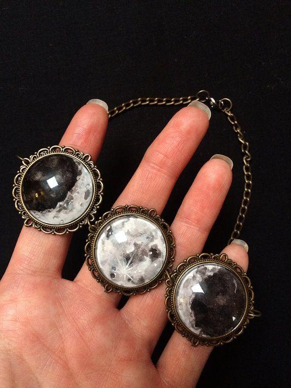 Drievoudige maan choker volle maan ketting door MadeByCrazyMary