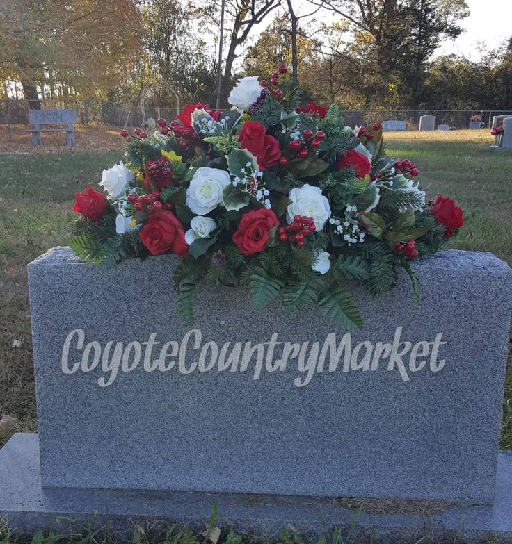 Diy Christmas Grave Decorations: Best 25+ Cemetery Flowers Ideas On Pinterest