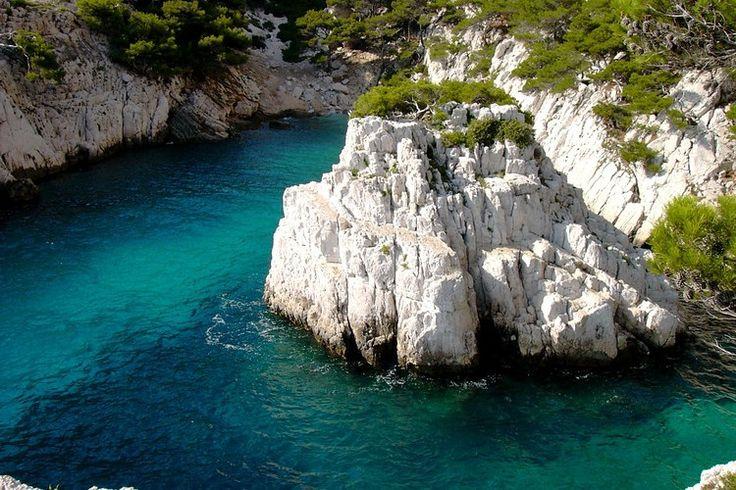 Des criques isolées : Marseille, Cassis, La Ciotat : cabotage dans les calanques - Linternaute
