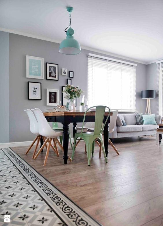Mint, gris y blanco son los colores de moda y en este salón todo es tan perfecto que no vas a parar de mirarlo una y otra vez.
