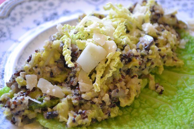 Quinoa Risotto mit Wirsing und Champignons - Quinoa ist eine tolle Abwechsung zu Reis und die Verbindung mit Wirsing schmeckt super!