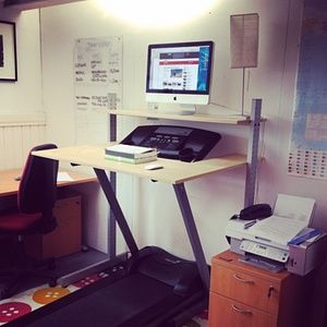 The full MacGyver: one DIY treadmill desk