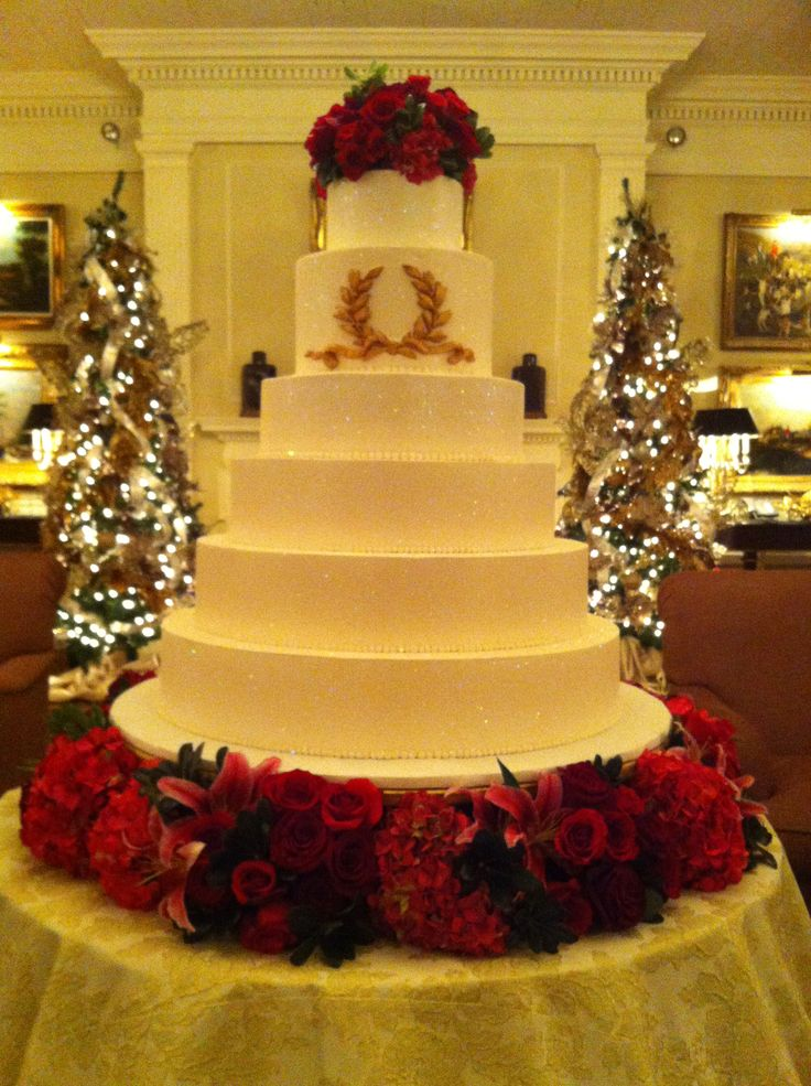Red And Gold Creme De La Cake Company Fort Worth Texas Cremedelacremecatering