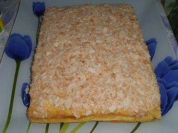 Слоеный торт с грибами и овощами