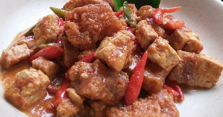 Resep Sambal Krecek Tempe Tahu favorit. As promised, ini resep sambal krecek untuk temen makan gudeg yang resepnya sudah saya share sebelumnya. ☺