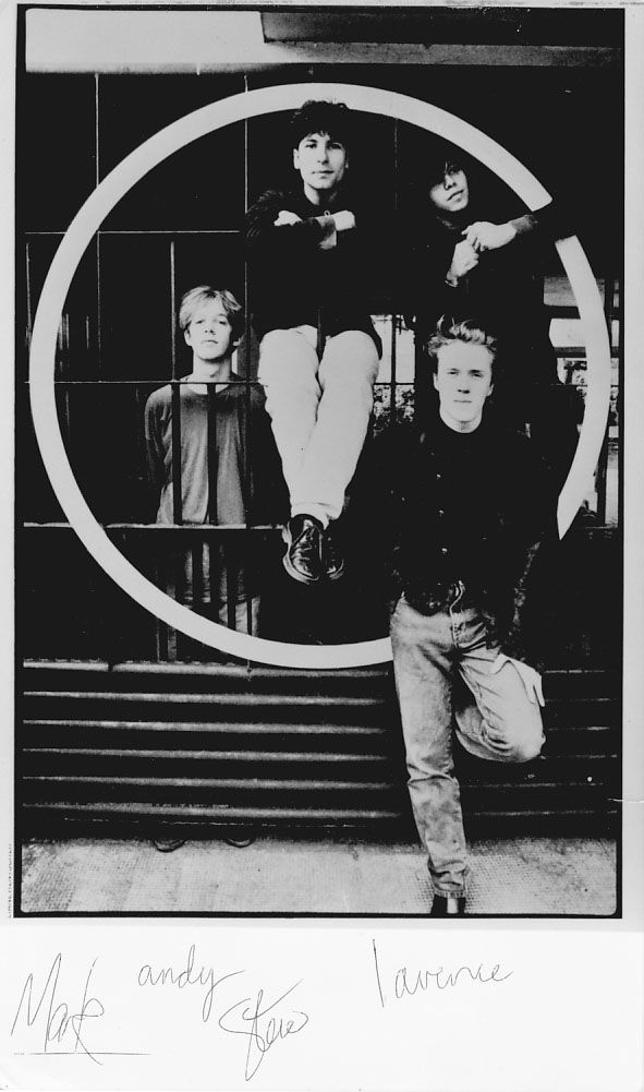 autographed glossy from Ride, 1991