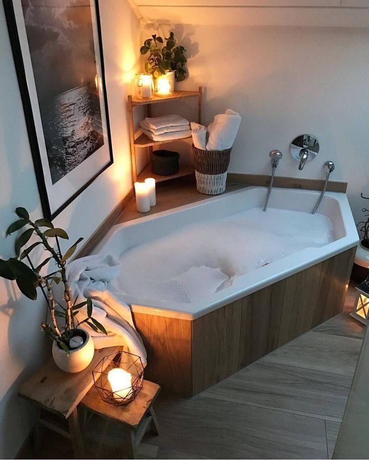 Dette ser veldig fristende ut herlig stemning hos @weltenbunt  Vi har flere flotte badekar for innbygging blant annet fra Duravit og Vikingbad - ta gjerne en titt i vår nettbutikk #rørkjøp
