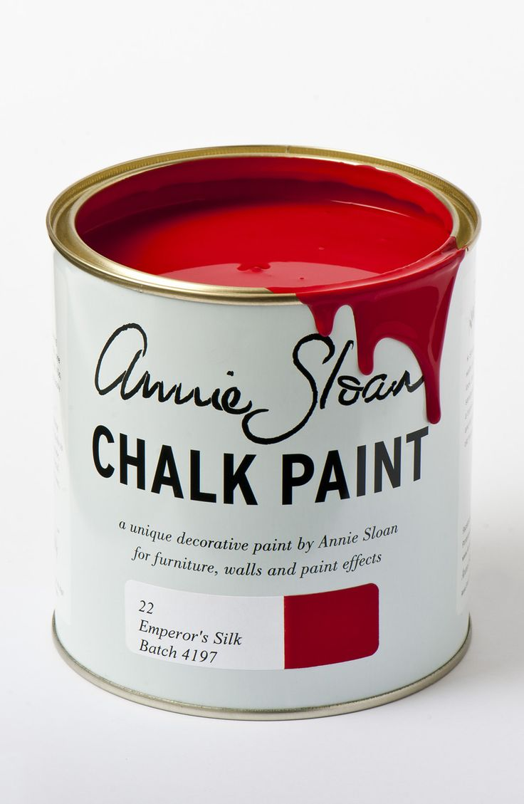 Emperor's Silk is a bright pure red like the silk lining of a jacket. It is also the red of Chinese lacquer, especially when deepened with Annie Sloan Dark Soft Wax. Use it in the interior of a cupboard or drawer for a pop of colour.  <p>Available in 100ml small project pots and 1 litre tins.</p>