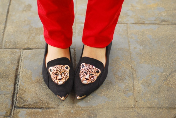 Leopard Head Embellished Court Shoes
