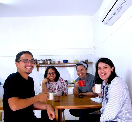 The designers: Kandura Keramik are 4 good friends who have expanded their friendship to take bigger responsibilities to ...